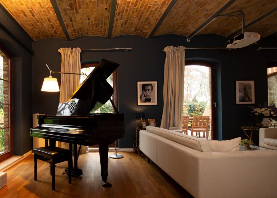 Luxury Living Slider 004 1952X1400